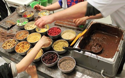 Készítsétek el a legszebb és legfinomabb csokoládét a kockacsokiban!