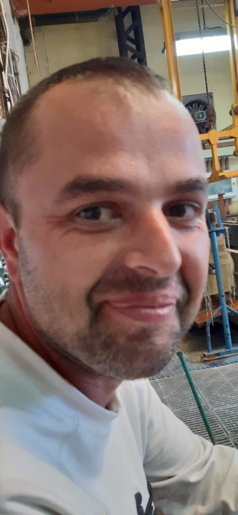 38 éves férfi egyedülálló