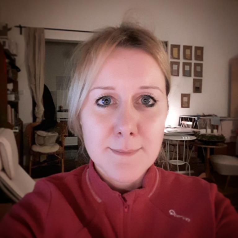 28 éves férfi 45 éves nő társkereső